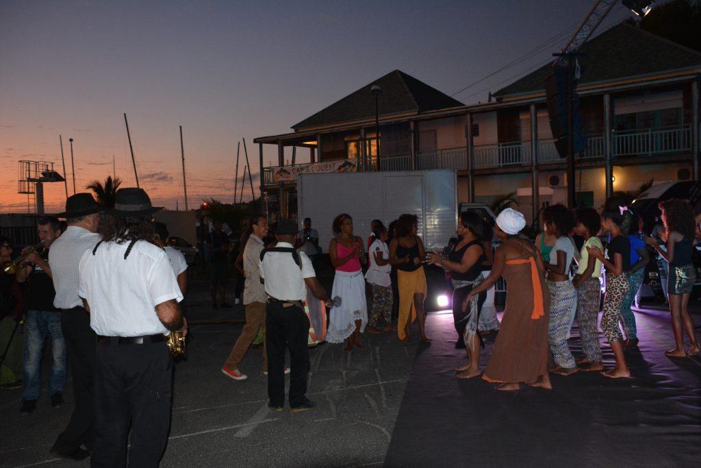 Bal créole Aster Prod (danse avec le public)