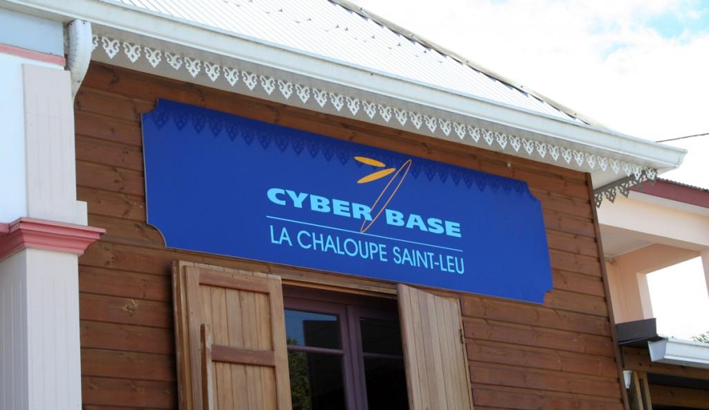 cyber-base-la-chaloupe-saint-leu-1024x592