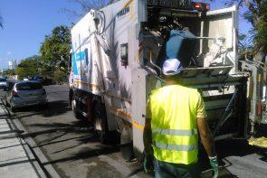 Camion de collecte des déchets